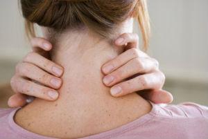От чего появляются папилломы на шее
